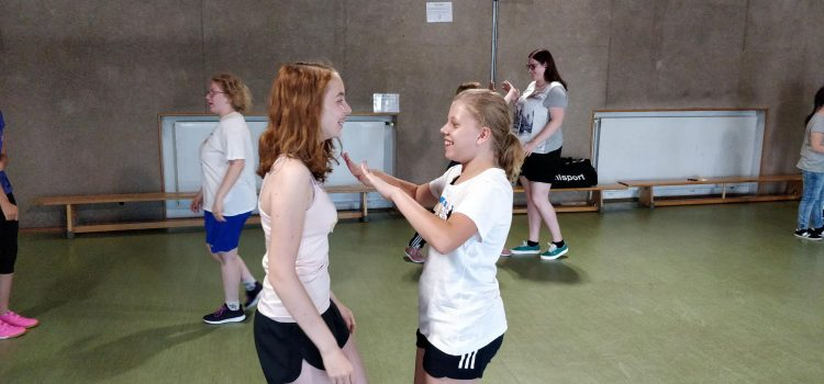Starke Mädchen! Selbstverteidigung für Schülerinnen der Oberstufe